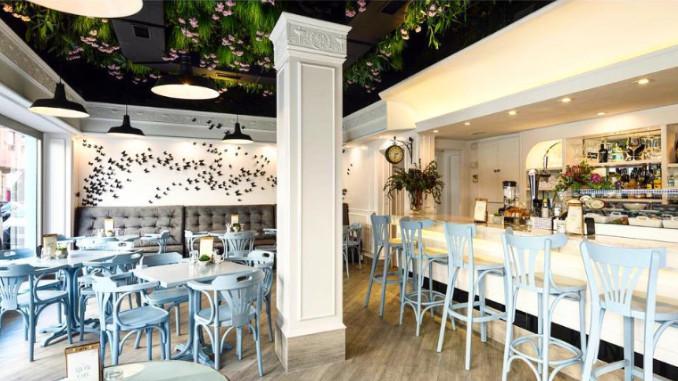 Lolyta Cafe Torrevieja interior
