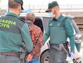 Detained in Torrevieja for ignoring the lockdown to go fishing.
