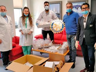 Donación-de-Rotary-Torrevieja-a-los-sanitarios-Almarcha-2