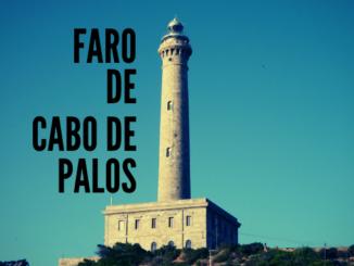 Cabo de palos-majakka Torreviejasta nähtynä.